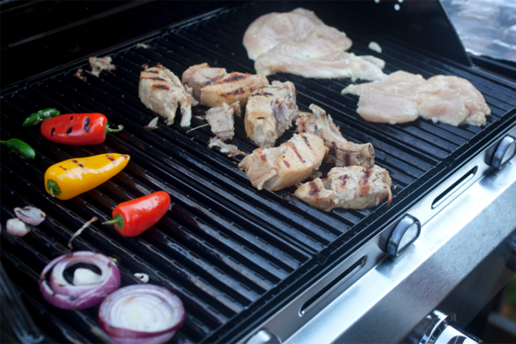Residential Grill Cleaning Services - food cooking on clean grill